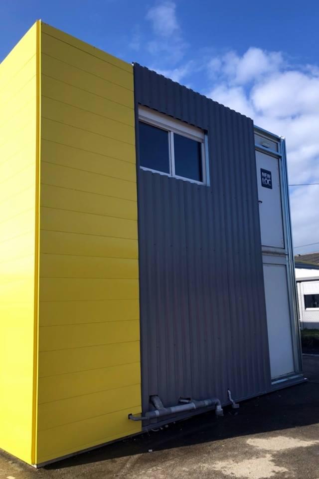 lames de bardages à emboîtement de coloris jaune RAL 1018