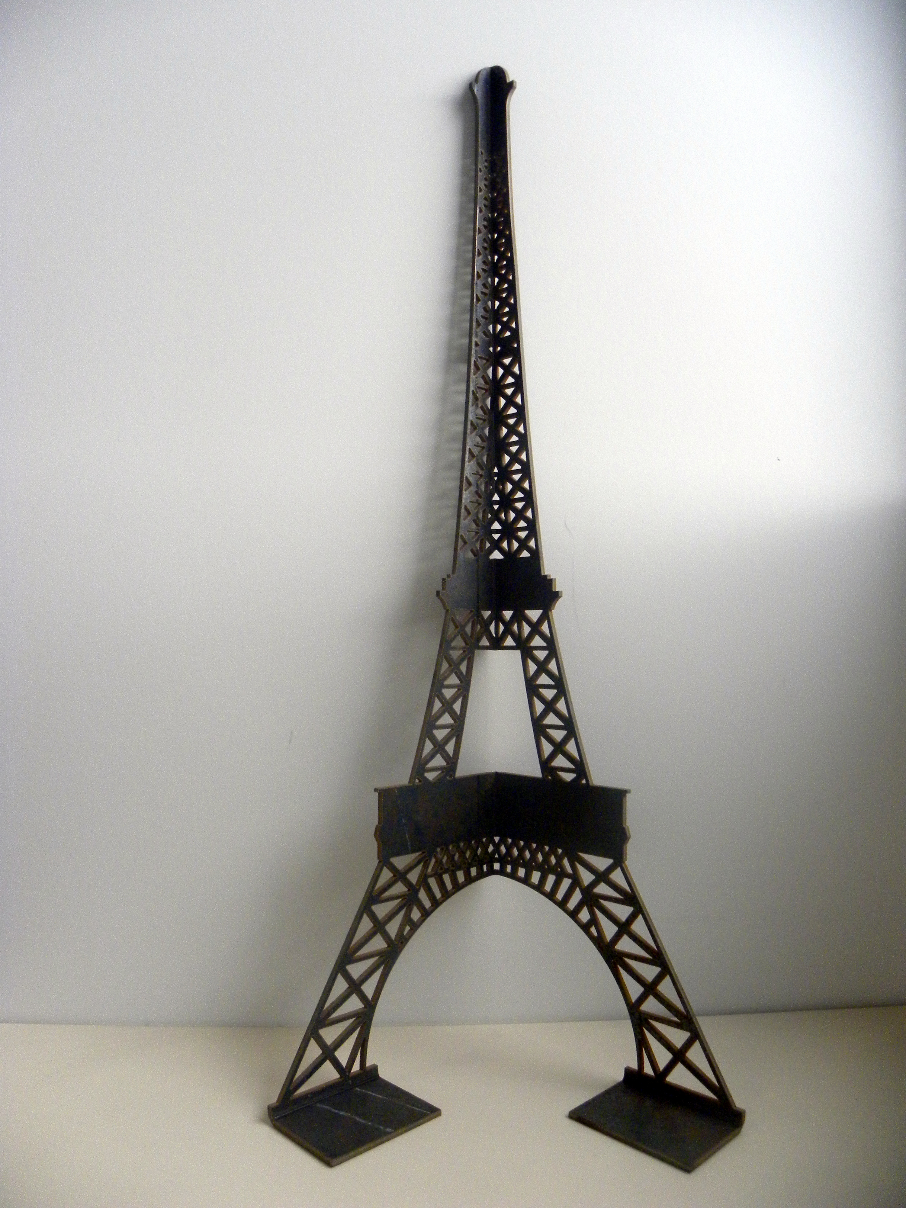 pied table basse tour Eiffel en acier