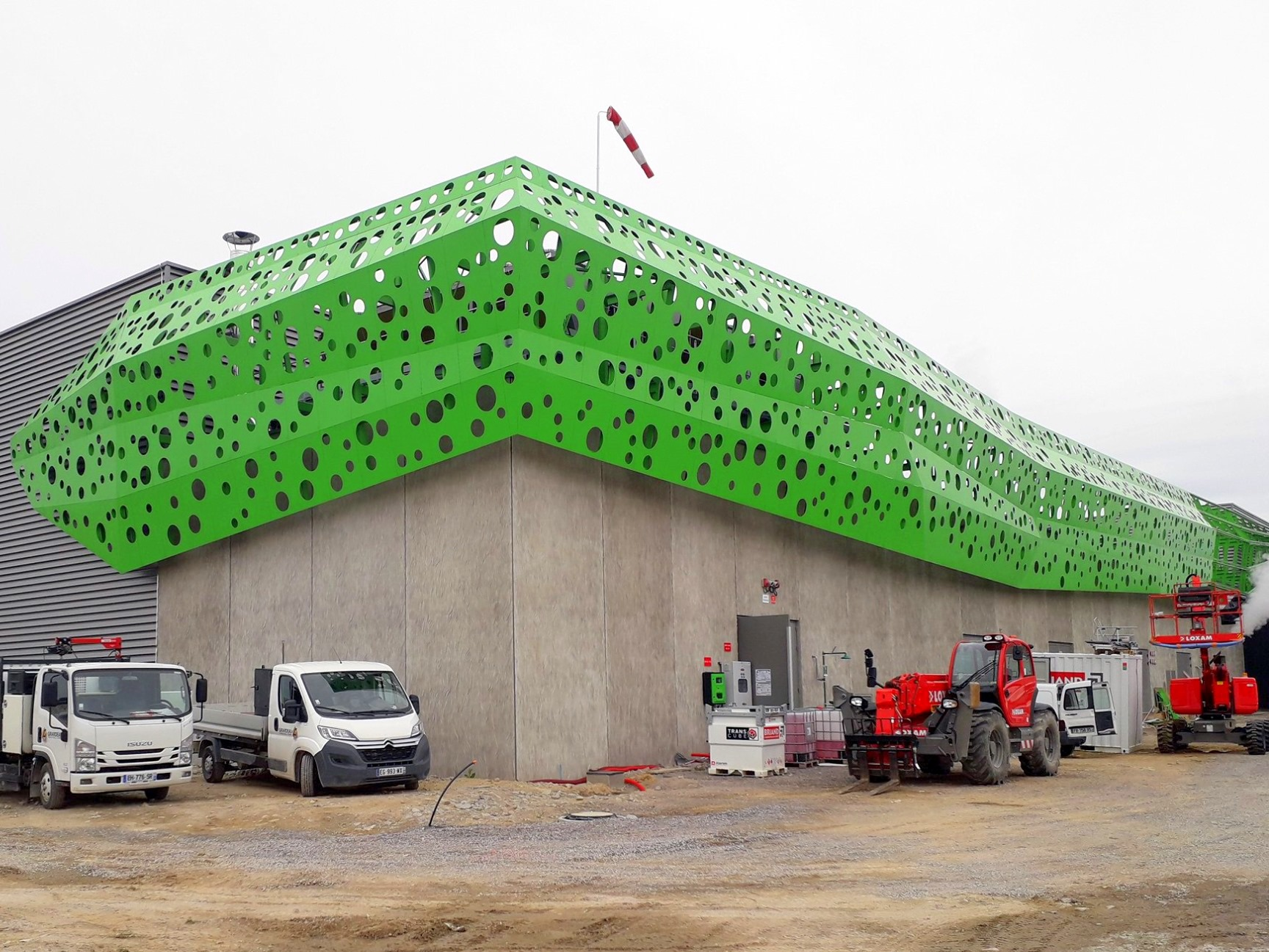structure décorative en aluminium brut