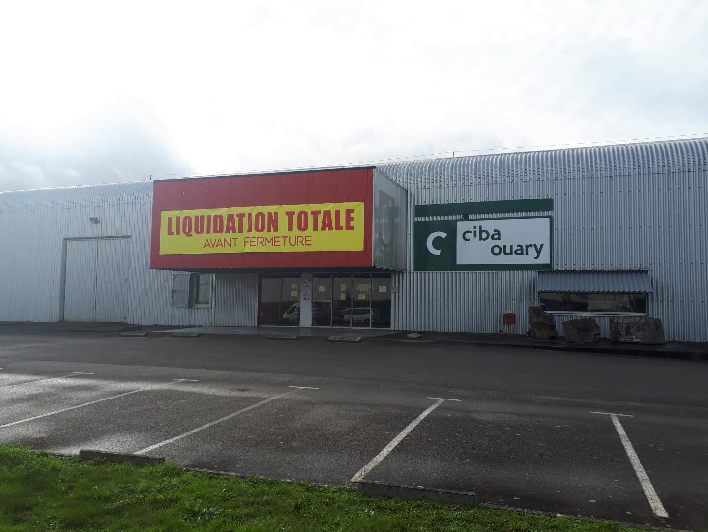 Devanture magasin CIBA OUARY Châteaubriant en liquidation totale