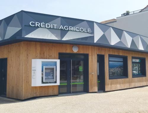 ZOOM CHANTIER – Un revêtement en TRESPA METEON au Crédit Agricole de Saint-Brévin-les-Pins