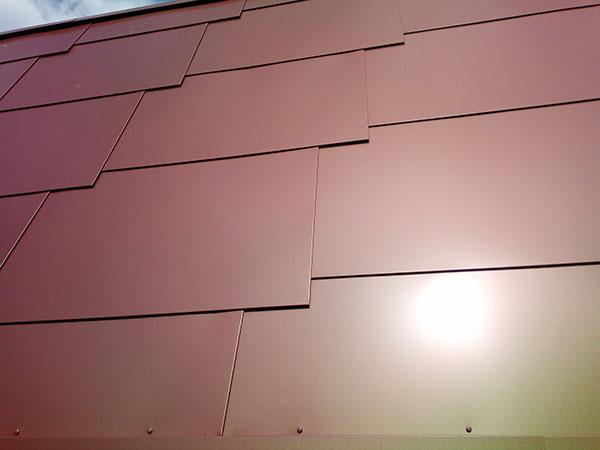 bardeau métallique de façade