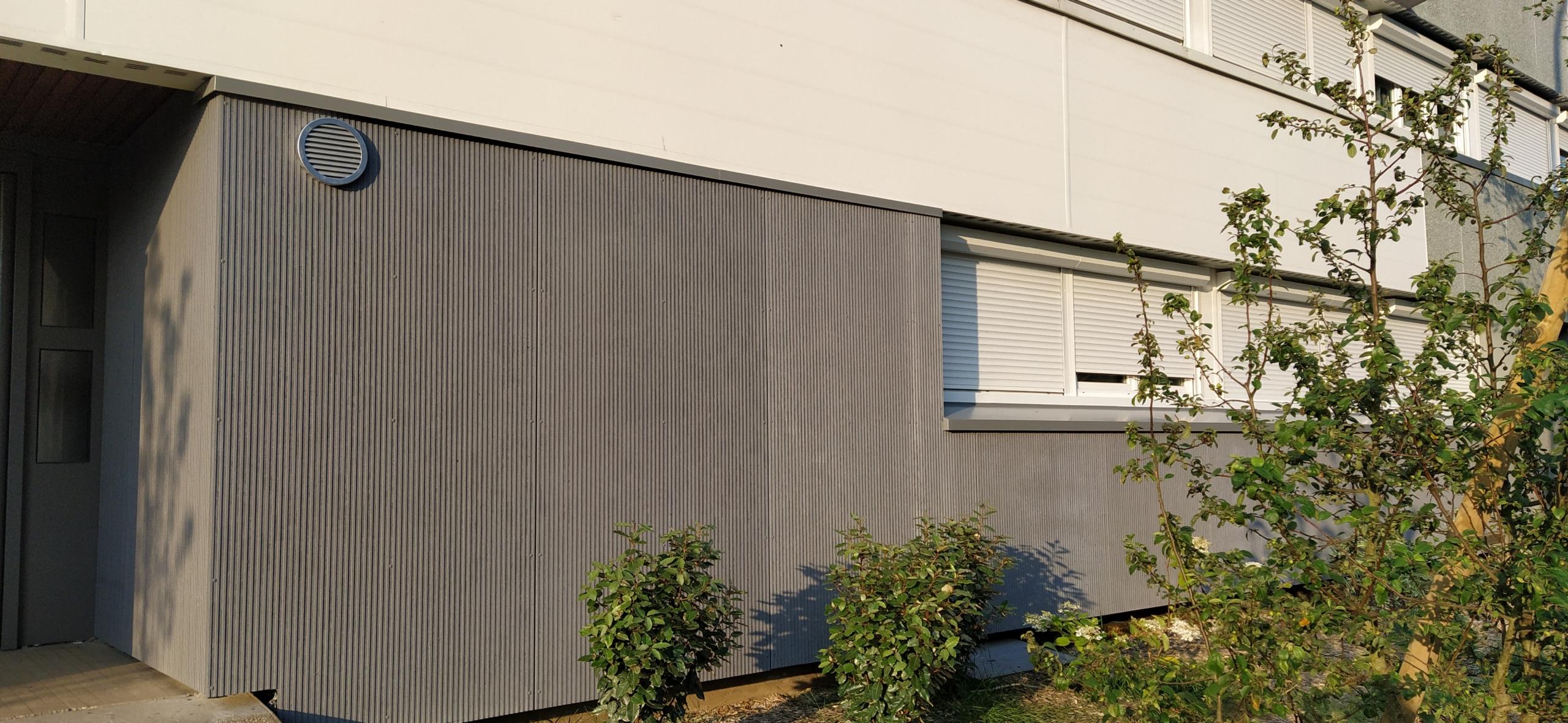 Façades Résidence Croix Bonneau en panneau fibrociment rainuré Linéa gris