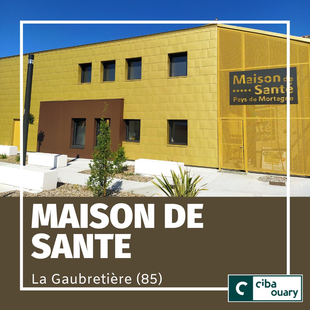 Façace de écailles dorées de la maison de santé de La Gaubretière